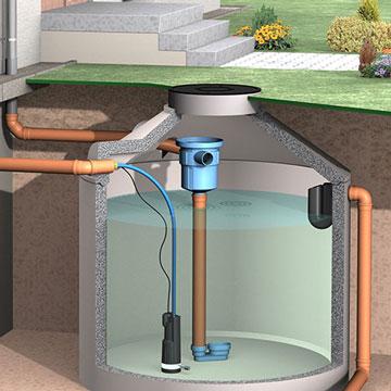 Regenwasserpumpe in einer Betonzisterne.